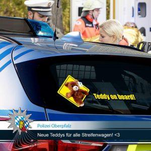 """Polizei Oberpfalz - 200 neue """"bärige"""" Kollegen begrüßt"""